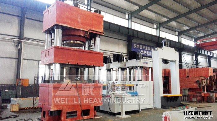客户定制生产1300吨专用液压机